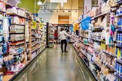 17 mai 2019 Cupertino/CA/Etats-Unis - la vue d'un bas-c?t? dans un magasin de Whole Foods, membre d'Amazon Premium offre ?vident  photographie stock libre de droits