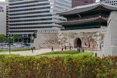 Mai 26,2016 an der Front von Namdaemun-gateSungnyemun Tor, Seoul, Lizenzfreie Stockfotografie