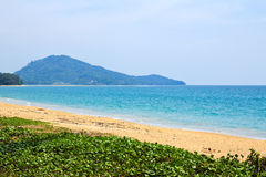 Mai Khao plaża przy Phuket wyspą Zdjęcie Royalty Free