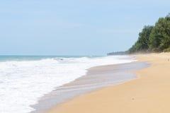Mai Khao-strand in Phuket Stock Foto's
