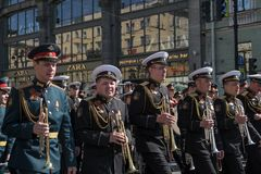9 mai 2019, la Russie, St Petersburg Musiciens de la bande militaire aux vacances de Victory Day en Russie Action nationale image libre de droits