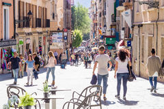 11 MAI 2016 Les gens aux rues centrales de Palma de Mallorca, Photos stock