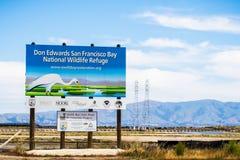 "8. Mai 2018 Menlo Park/- CAs/USA \ ""Don Edwards San Francisco Bay National-Schutzgebiet \"" und \ ""Südbucht-Salz-Teich Restorati lizenzfreie stockbilder"