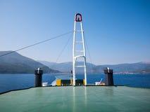 MAI 2012: Nicht identifizierte Bettler, die um eine Nächstenliebe im kleinen Boot bitten Lizenzfreie Stockbilder