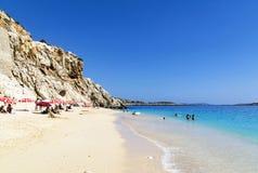 29 mai 2016 : Touristes sur la plage de Kaputas, Turquie Photographie stock