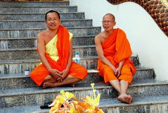 MAI van Chiang, Th: De monniken in Wat synchroniseren Phai stock afbeeldingen