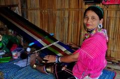 MAI van Chiang, Thailand: De Vrouwen van de Stam van de heuvel met Weefgetouw Royalty-vrije Stock Foto