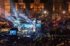 Maidan - activista Yuri Lutsenko en etapa en la reunión de la nuevo-año-víspera Foto de archivo libre de regalías