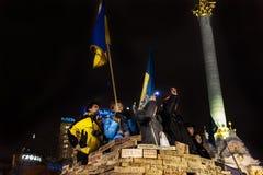 Maidan - aktivister på helgdagsaftonen för nya år samlar på självständighetfyrkant Arkivfoto