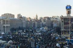 Maidan - sikt på massprotester på självständighetfyrkant Royaltyfria Foton