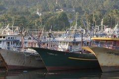 Maigre de bateaux de pêche sur Tumumpa Manado Photo libre de droits