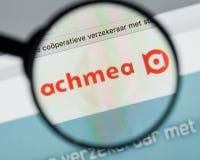 Mailand, Italien - 10. August 2017: Achmea-Websitehomepage Es ist O Stockbilder