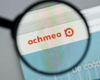 Mailand, Italien - 10. August 2017: Achmea-Websitehomepage Es ist O Stockbild
