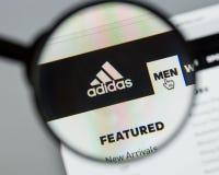 Mailand, Italien - 10. August 2017: Adidas-Logo auf dem Websitehaus Lizenzfreies Stockbild