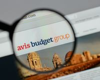 Mailand, Italien - 10. August 2017: Avis Budget Group-Logo auf wir Lizenzfreie Stockfotografie