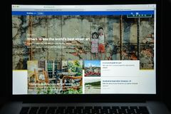 Mailand, Italien - 10. August 2017: Buchung COM-Websitehomepage Es Stockbild
