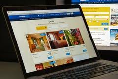 Mailand, Italien - 10. August 2017: Buchung COM-Websitehomepage Es Stockbilder