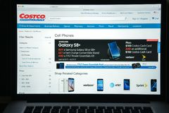 Mailand, Italien - 10. August 2017: Costco COM-Websitehomepage Es Lizenzfreies Stockfoto