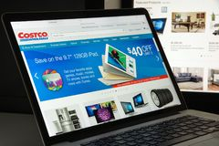 Mailand, Italien - 10. August 2017: Costco COM-Websitehomepage Es Stockfotos