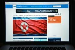 Mailand, Italien - 10. August 2017: Geld CNN-Websitehomepage mon Lizenzfreie Stockfotos