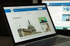 Mailand, Italien - 10. August 2017: Geld CNN-Websitehomepage mon Lizenzfreie Stockfotografie