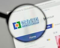 Mailand, Italien - 10. August 2017: Hengli Group-Logo auf der Website Stockfotografie