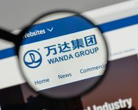 Mailand, Italien - 10. August 2017: Logo Dalians Wanda Group auf dem w Stockfotografie