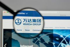 Mailand, Italien - 10. August 2017: Logo Dalians Wanda Group auf dem w Stockbild