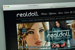 Mailand, Italien - 10. August 2017: Realdoll-Websitehomepage zeichen Stockbilder