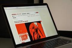 Mailand, Italien - 10. August 2017: Spiegel-Websitehomepage ist ein Stockfotos