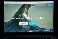 Mailand, Italien - 10. August 2017: Vimeo-Websitehomepage Es ist a Lizenzfreie Stockfotos