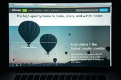 Mailand, Italien - 10. August 2017: Vimeo-Websitehomepage Es ist a Stockfotos