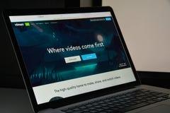 Mailand, Italien - 10. August 2017: Vimeo-Websitehomepage Es ist a Lizenzfreie Stockfotografie