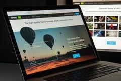 Mailand, Italien - 10. August 2017: Vimeo-Websitehomepage Es ist a Lizenzfreies Stockfoto
