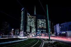 MAILAND, ITALIEN - FEBRUAR 04,2016: Milan Porta Garibaldi-Bezirk Der Unicredit-Bankwolkenkratzer und der Marktplatz Gael Aulenti Stockfoto