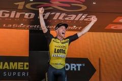 Mailand, Italien am 28. Mai 2017: Jos Van Emden, Lotto-riesiges Team, feiert seinen Sieg des Stadiums Lizenzfreie Stockfotos