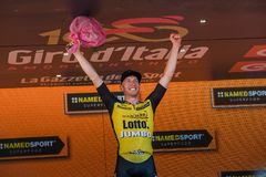 Mailand, Italien am 28. Mai 2017: Jos Van Emden, Lotto-riesiges Team, feiert seinen Sieg des Stadiums Lizenzfreies Stockfoto