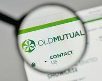 Mailand, Italien - 1. November 2017: Old Mutual-Logo auf der Website Lizenzfreie Stockfotos