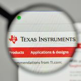 Mailand, Italien - 1. November 2017: Texas Instruments-Logo auf dem w Stockfotos