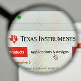 Mailand, Italien - 1. November 2017: Texas Instruments-Logo auf dem w Stockfotografie
