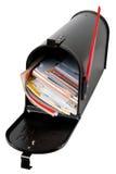 Mailbox voll von Post Lizenzfreie Stockfotos