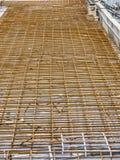 Maille de renfort pour la nouvelle construction de voie de tramway Photo stock