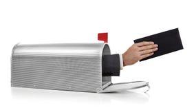Mailman με το φάκελο Στοκ Εικόνα