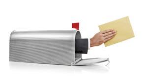 Mailman με το φάκελο Στοκ Φωτογραφία