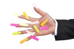 Main avec la note de papier Images stock