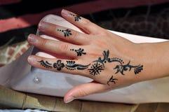 Main avec le tatouage Photographie stock libre de droits