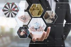 Main d'affaires avec le système de mise en réseau d'interface et de globe de finances photo stock