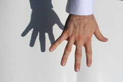 Main d'homme Images libres de droits