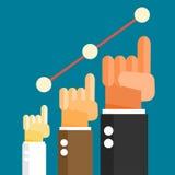 Main d'homme d'affaires se soulevant vers le haut du graphique de gestion de croissance Images stock