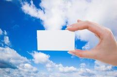 main de carte vierge Images libres de droits